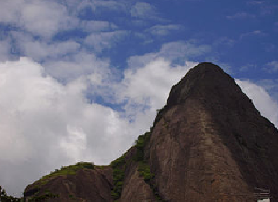 pedra-do-papagaio-ou-do-adarai-na-reserva-do-grajau-rj