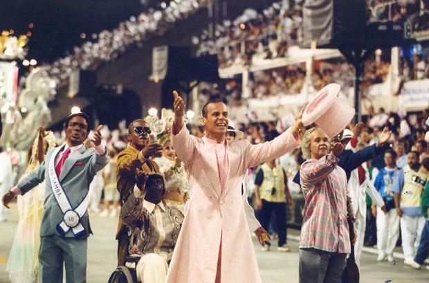 comissa%cc%83o-de-frente-1999-os-bambas-do-samba