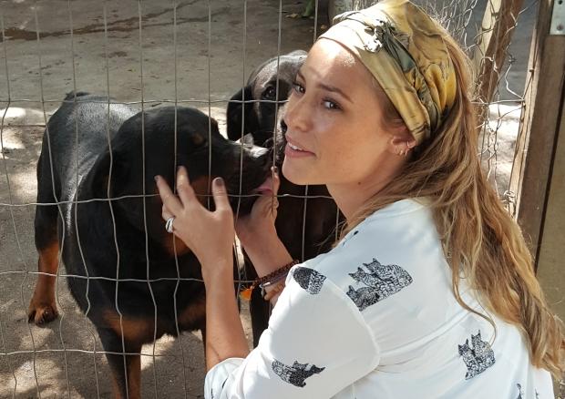 Paraiso dos Focinhos - Paolla Oliveira com o cão Paollo